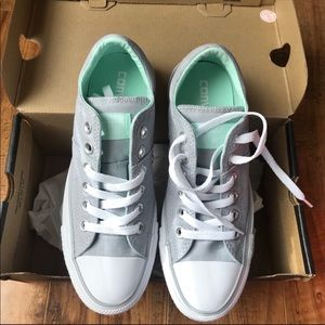 Women's Converse. New in box size 6.5